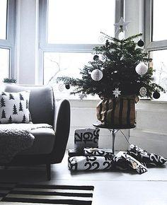 Black and White Calendar Wrapping Paper | ArtCream