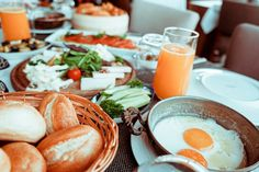 Αν και στην Ελλάδα είμαστε ειδικοί επί των πάντων, σε αυτό το θέμα είπαμε να Heart Healthy Diet, Healthy Fats, Healthy Eating, Brunch, Healthy Breakfast Options, Breakfast Time, Coffee Time, Food Pictures, Cooking