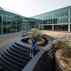 unsangdong architects installs memorial pot at SAMPIO laboratory garden in south korea