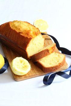 Cake au citron de Pierre Hermé By 29 avril 2014 Ingredients Cake au citron Œufs à température ambiante - 3 Farine - 190 g Levure chimique - 1/2 c.c. Zestes de citrons non traités - 2 citrons Sucre en poudre - 200 g Crème liquide entière - 95 g Rhum blanc - 2 c.s. Beurre … Continuer la lecture →