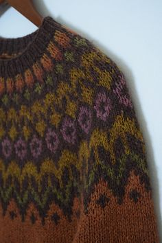 Ravelry: Project Gallery for Riddari pattern by Védís Jónsdóttir for Ístex Icelandic Sweaters, Wool Sweaters, Fair Isle Knitting Patterns, How To Purl Knit, Knitting Projects, Hand Knitting, Knitwear, Knit Crochet, Sweaters For Women