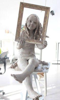 """""""Selphie"""" #jurgasculpteur glaise Statues, Flax Flowers, Traditional Sculptures, Sculpture Clay, Oeuvre D'art, Art Dolls, Sculpting, Art Gallery, Pottery"""