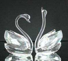Crystal Glass Swans (Pair) CSW180N-CL http://deluxedecor.com.au/products-page/gifts-table-decor/crystal-glass-swans-pair-csw180n-cl/