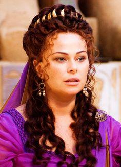 Polly Walker in 'Rome' (2005). x