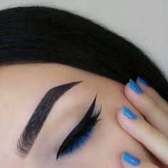 Make up inspiration - Sparkly pale pink eye shadow with black eyeliner wings Makeup Goals, Makeup Inspo, Makeup Art, Makeup Inspiration, Makeup Pics, Makeup Style, Makeup Geek, Makeup Addict, Cute Makeup