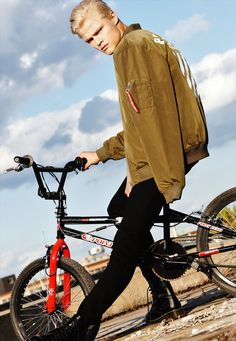 Freestyle BMX Queen Mens Casual Shorts Pants