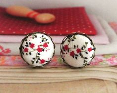 Hey, I found this really awesome Etsy listing at https://www.etsy.com/listing/175320613/fabric-button-earrings-retro-red-white