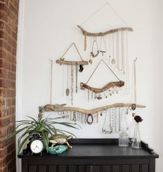 Turn your jewelry collection into stunning bohemian decor. Display your jewelry in all its beauty with our wall mounted/hung driftwood jewelry