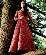 "Just Mary's tree climbing dress. No big deal. | Community Post: The Top 30 Dresses Queen Mary Wore On The CW's ""Reign"""