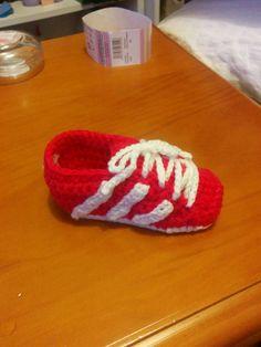 Zapatillas Adidas a ganchillo .