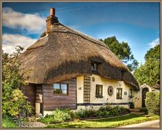 https://flic.kr/p/6QyLjc | Thatched cottage in the village of Longstock in Hampshire