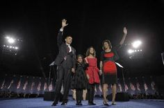 President elect Barack Obama (left) his wife Michelle Obama (right) and two daughters Malia age 7 and Sasha age 10 wave at the election night rally in Chicago Malia And Sasha, Election Night, White House Correspondents, Inevitable, Presidential Election, Michelle Obama, Barack Obama, Professional Photographer