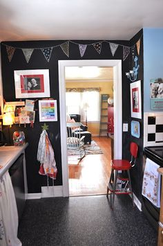 Love that they drew a bunting on their chalkboard wall - so cute!