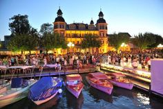 For visitors that want to enjoy a with a costume party… Pink Lake, Make New Friends, Travel Information, Beach Club, Travel Advice, Small Towns, Travel Style, Austria, Gay