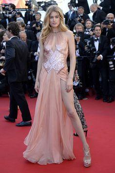 Doutzen Kroes in a slit Atelier Versace gown @Annette Neuenswander Douglas Albrahimi Versace
