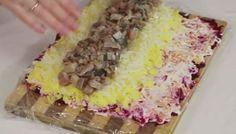 """Как сделать салат """"Селедка под шубой"""" в виде рулета как сделать под шубой Сервировка KakProsto.ru: как просто сделать всё"""