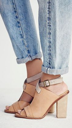 Love these neutral sandals for spring