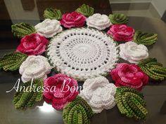 centrinho com flores Feito em linha Duna R$ 65,00