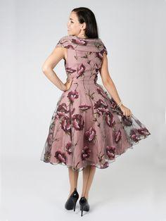 KELLOMEKKO - Dorothy Tulle Winter Floral Swing Dress - Stuntman.fi Vintage Outfits, Vintage Clothing, Swing Dress, Retro Vintage, Tulle, Classy, Winter, Floral, Clothes