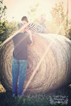 Country Engagement Photos Would love this shot w my tattooed farm boy Country Couple Pictures, Cute Couple Pictures, Engagement Couple, Engagement Pictures, Country Engagement, Trendy Wedding, Dream Wedding, Wedding Ideas, Farm Photo