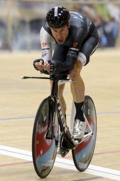 Jens Voigt (Trek) attempts to break the Hour Record Photo credit © AFP Photo