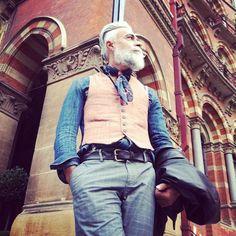 « #alessandromanfredini #oldschool #vintage #doubleufrenk #style #cool #gentleman #testimonial #model #beard #mustache #barba #baffi #london #italianboy »