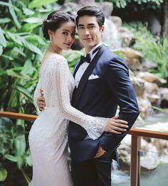 LLSR Thai Princess, Princess Style, Celebrity Wedding Dresses, Celebrity Weddings, Face Photography, Wedding Photography, Thai Wedding Dress, Sweet Couple, Celebrity Couples
