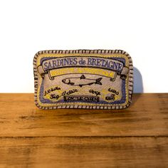 Handcrafted in the UK for The Artisan Pet Deli by Freak MEOWT, this fun sardine tin cat toy is stuffed full of premium Canadian catnip. The perfect gift for any pampered kitty!