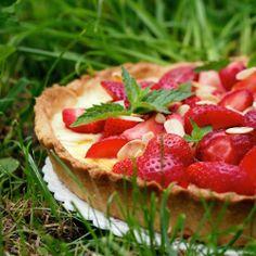 Laskominy od Maryny: Koláč s jahodami a mascarpone Cheesecake, Strawberry, Fruit, Sweet, Desserts, Cakes, Mascarpone, Candy, Tailgate Desserts