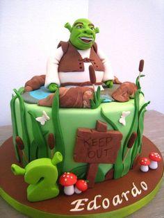 Shrek's Swamp Check Out These 30 Awesome Kids Birthday Cakes Cupcakes, Cupcake Cakes, Fiona Y Shrek, Shrek Cake, Movie Cakes, Different Cakes, Disney Cakes, Novelty Cakes, Fondant Cakes