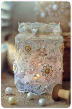 Get Creative with these 44 DIY Mason Jar Crafts Mason Jar Projects, Mason Jar Crafts, Mason Jar Diy, Bottle Crafts, Lace Mason Jars, Mason Jar Candles, Diy Candles, Jar Art, Baby Food Jars