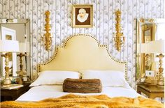 The bedroom is a great place to add a pop of wallpaper.Whether it is just behind the bed, the whole room or even the ceiling. Headboard Shapes, Headboard Ideas, Leather Headboard, Nailhead Headboard, Fabric Headboards, Interior Architecture, Interior Design, French Interior, Modern Interior