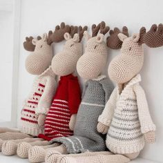 Ravelry: Mr & Mrs Moose pattern by Pia Johannesen Beautiful Christmas Decorations, Little Christmas Trees, Christmas Deer, Double Crochet, Easy Crochet, Crochet Toys, Free Crochet, Owl Crochet Patterns, Christmas Crochet Patterns
