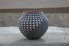 Acoma Pueblo, New Mexico Pottery ideas for when I have my kiln Native American Baskets, Native American Pottery, Native American Art, American Indians, Ceramic Pottery, Pottery Art, Ceramic Art, Southwest Art, Southwest Pottery