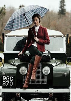 Land Rover's are for when it's wet out British Country, British Style, Country Fashion British, Classic Cars British, Land Rovers, Style Anglais, Preppy Style, My Style, Country Style