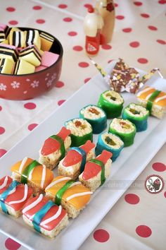 Sweet Sushi!! I love this idea for kids parties. so original and clever
