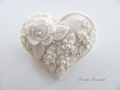 no pattern....simply inspiration....i just adore this tiny brooch!