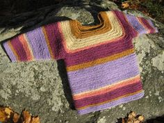 Needlebound / nalbound sweater for child made using improvised stitch, by Anneli Henriksson. Posted [in Swedish] 2015-11-10 for sale @ Evendim hantverk [Evendim handicrafts] on FaceBook. Please see link!