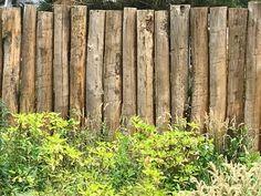 Fence of round chestnut poles - Bradley Keave Log Fence, Wooden Fence, Dog Backyard, Fence Gate Design, Country Fences, Privacy Landscaping, Sloped Garden, Backyard Furniture, Garden Fencing