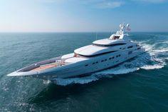 Die Motoryacht Secret ist mit 82,3 m die längste Yacht, die Abeking & Rasmussen bisher gebaut hat