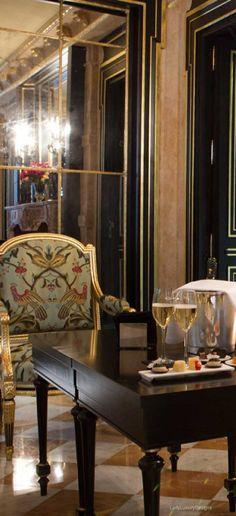 ℳiss Sasha Sebastian's Suite ⚜{do not disturb} ⚜ Poppy Pea Luxury Life, Luxury Living, Lady Luxury, Beautiful Buildings, Beautiful Homes, Hotel Et Spa, Le Bristol Paris, Hotel Breaks, Grande Hotel
