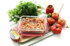 Receta de Ensalada campera muy fresca y típica del verano. Cocínala con antelación para comerla bien fría. En un ratito estará lista con tu Thermomix®.