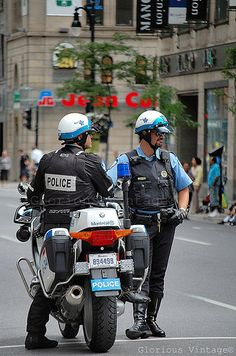 Montréal Police Cop Uniform, Police Uniforms, Police Officer, John Law, Bmw R1200rt, Hot Cops, National Police, American Motors, Thin Blue Lines