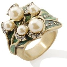 "Window shopping is a delight: Heidi Daus ""Lily of the Valley"" Crystal-Accented Enamel Ring Pearl Ring, Pearl Jewelry, Jewelry Art, Antique Jewelry, Jewelry Rings, Jewelery, Vintage Jewelry, Jewelry Accessories, Fine Jewelry"