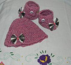 Scarpine e cappellino bebè misto lana di Ciuppinociuppinino