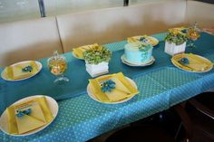 boy baby shower tablescapes | ... our dear friend hana s baby boy we decided to organize a baby shower