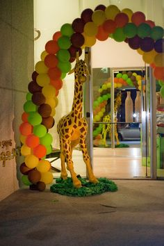 Balloon arch way! Used 2 make @ the hoot ;-)