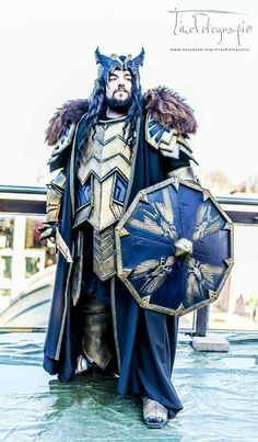 Thorin, King Under the Mountain Cosplay. Photo courtesy of Alex Oakenshield