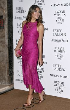ELIZABETH HURLEY IN THEIA AT THE HARPER'S BAZAAR WOMEN OF THE YEAR AWARDS