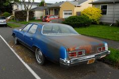 Old Parked Cars.: 1973 Pontiac Catalina.